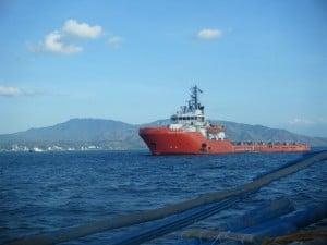 puerto galera philippines ship