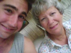 母亲节快乐!想念妈妈和奶奶